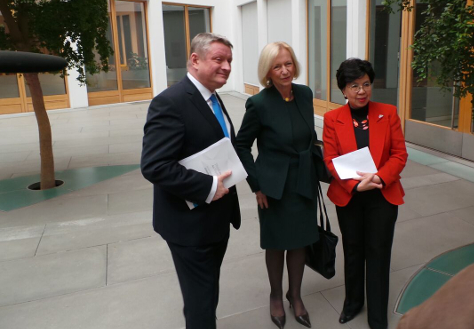 Photo: Federal Minister of Health Hermann Gröhe, Federal Minister of Education and Research Dr Johanna Wanka and WHO Director-General Dr Margaret Chan